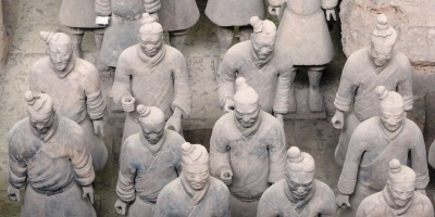 Un esercito di copie. L'imperatore Qin Shi Huangdi e il valore degli oggetti
