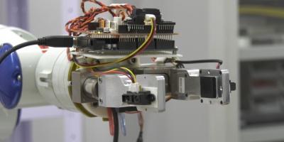 Dita sensibili in un robot, arriva la mano operaia