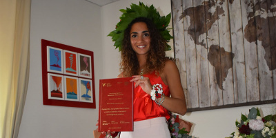 Odontoiatria, festa grande per Morena, studentessa modello laureata alla Vanvitelli.